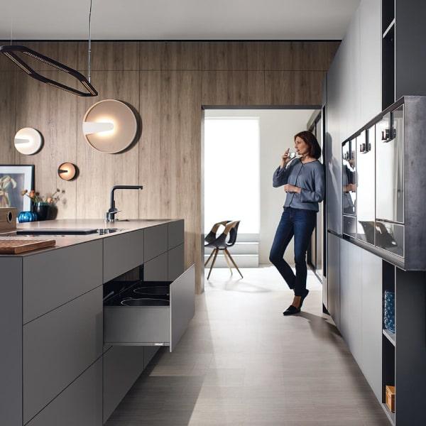 blum-kitchen-min